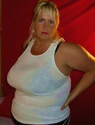 Over sized jugs Daphne Stone shows pink